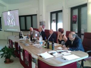 Franco Mucci, Rino Tomasiello, Nicola Ciarleglio, Carmen Castiello ed Ugo Simeone al tavolo dei relatori